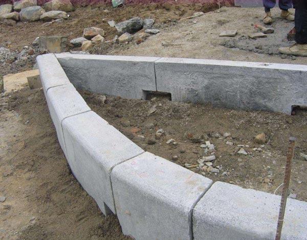 为什么要使用模具做路沿石